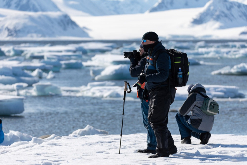 My group in a photography workshop at Spitsbergen - Tomer Razabi Photography