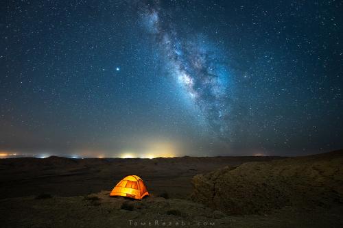 צילום לילה כוכבים ושביל החלב במכתש רמון - תומר רצאבי