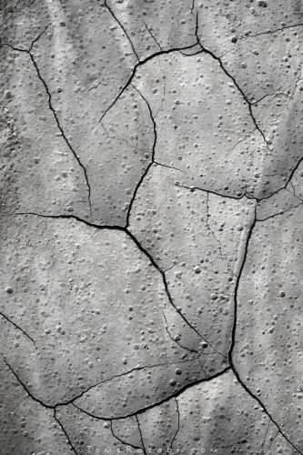 Desert mud cracks Textures and Abstracts - Tomer Razabi